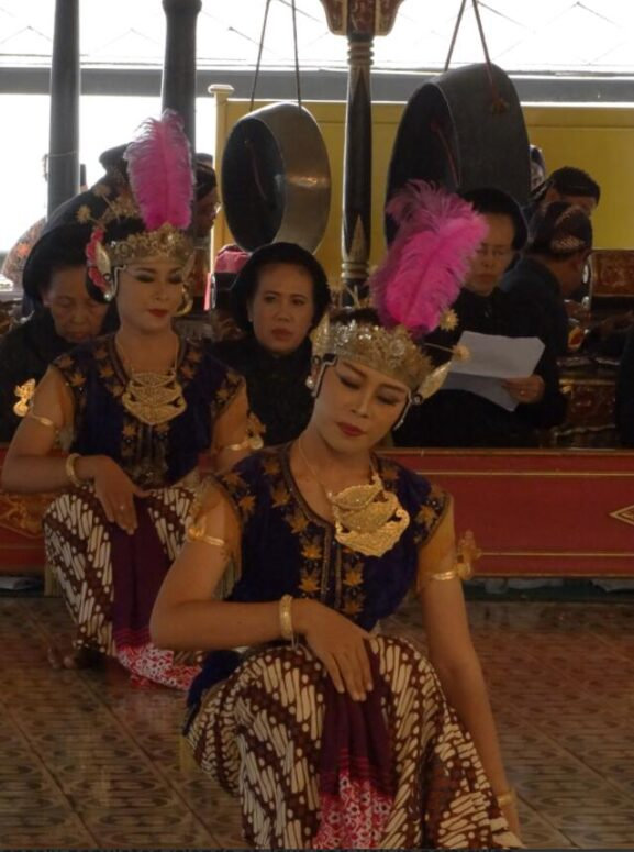 Dancers at the court of the Sultan of Yogyakarta